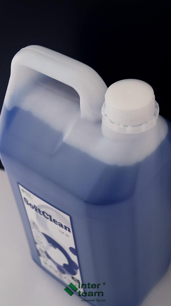 Płyn do mycia wszelkich powierzchni odpornych na działanie zasad
