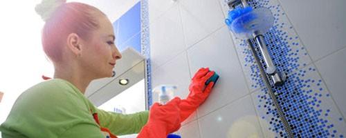 środki do czyszczenia kafli w łazience